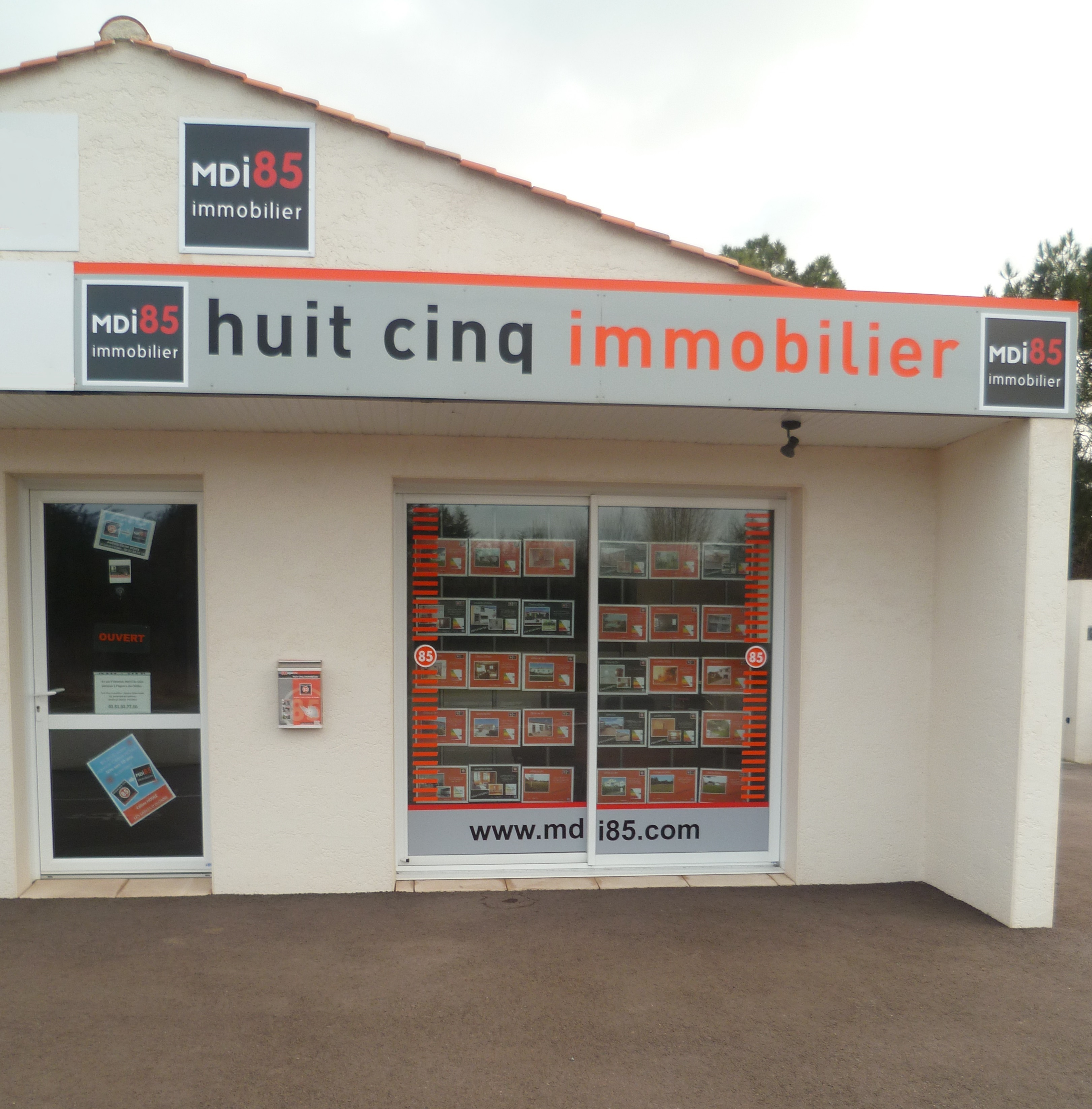 Agence immobili re olonne sur mer agence mdi85 c line for Agence immobiliere 85100